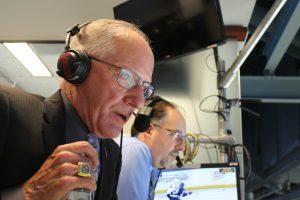 """NHL-kommentatorn Mike """"Doc"""" Emrick."""