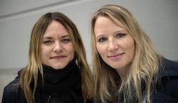 SKS ordförande Jenny Modin ihop med SSF:s ordförande Lisa Edwinsson. Foto: Niklas Larsson