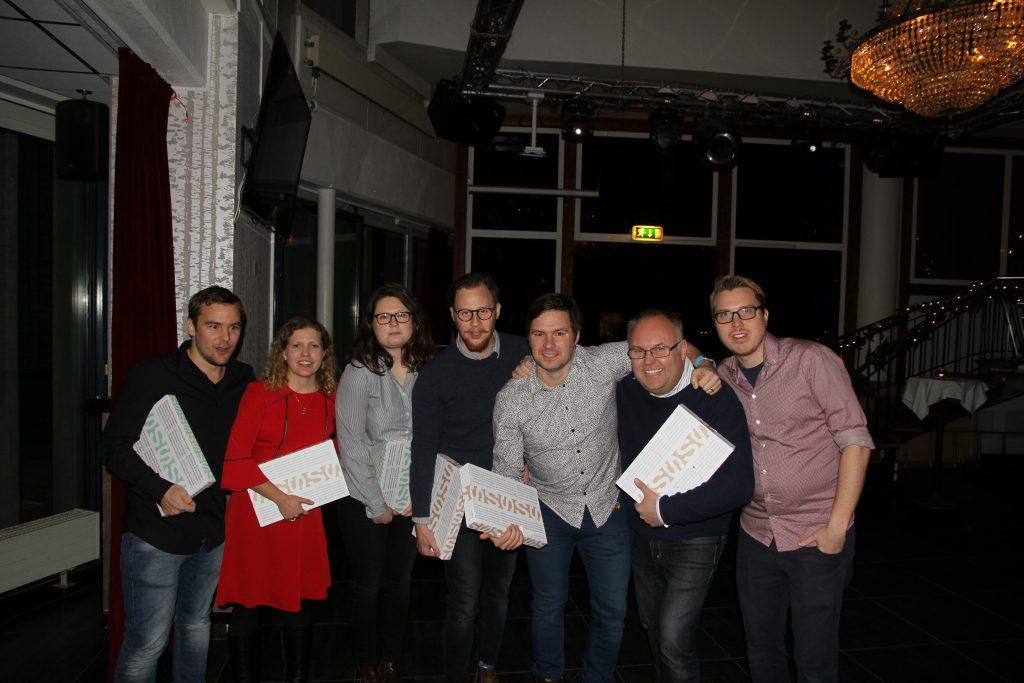 Vinnarlaget i frågesporten. Från vänster: Daniel Grefve, SR, Tove Nordenhäll, DN, Malena Johansson, SVT, Marcus Nilsson, SR, Anders Naeselius, SVT, Lasse Persson, SR, Andreas Lundin, SR.