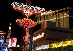 090802  Las Vegas, USA, stad, kväll, kvällsmiljö, neon, neonljus, skylt. ©  Bildbyrån - 29684
